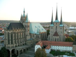 800px-Erfurt_cathedral_and_severi_church