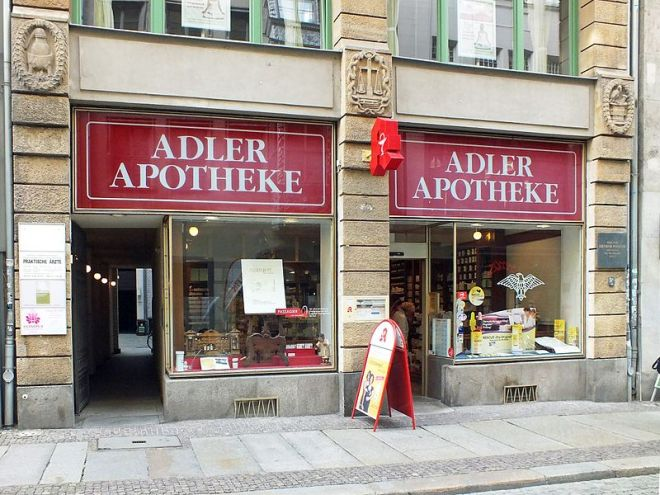800px-Leipzig_Adler-Apotheke