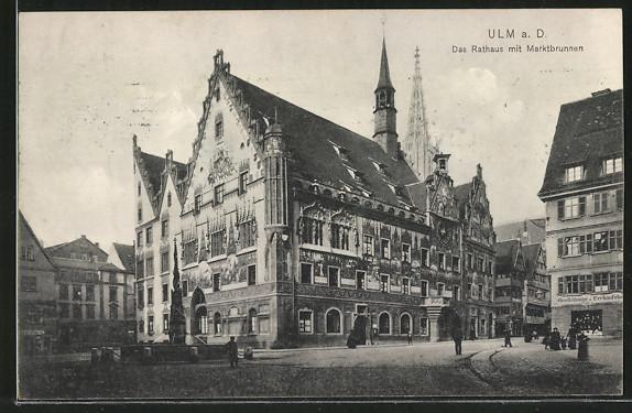 AK-Ulm-Das-Rathaus-mit-Marktbrunnen